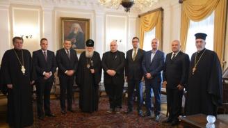 Патриарх Неофит обсъди с кмета на район 6 на Букурещ Габриел Муто построяването на български православен храм в румънската столица