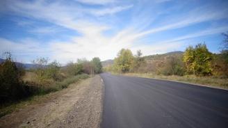 АПИ ремонтира 126 километра пътища