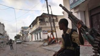 26 цивилни са загинали при атентат с коли бомби в Сомалия