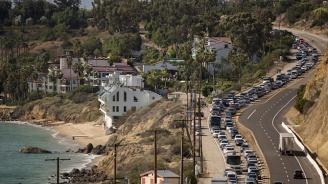 250 000 се евакуират заради горските пожари в Калифорния (снимки+видео)