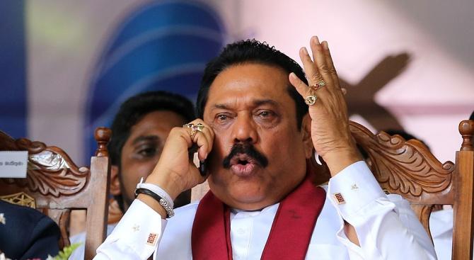 Депутати се сбиха в парламента на Шри Ланка