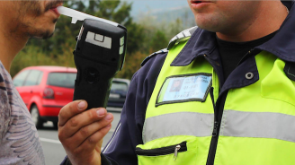 42-годишен шофьор от Исперих счупи дрегера