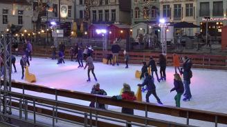 Със светлинно шоу на кънки ще бъде открита ледената пързалка в Русе