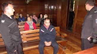 20 години затвор за убийството на Алекс, който бе смлян от роми пред дискотека в Бяла (снимки)