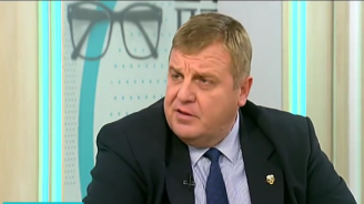 Каракачанов: Не приемам критиките на президента