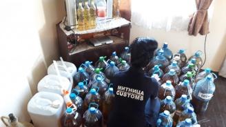 Митничари спипаха над 260 литра спирт