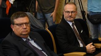 Лозан Панов с обвинения към главния прокурор