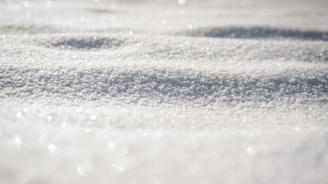 Сняг заваля във Велико Търново