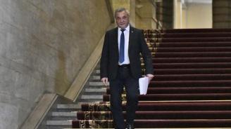 Вицепремиерът Валери Симеонов хвърли оставка (обновена+видео)