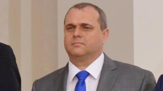 Искрен Веселинов: Симеонов смъква сериозен товар от управлението