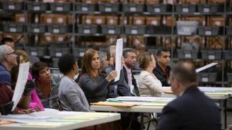 Флорида започна ръчно повторно преброяване на гласовете, за да определи победителя на избори за сенатор