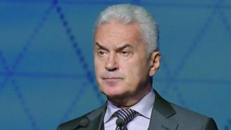 Сидеров поиска оставката и на Каракачанов