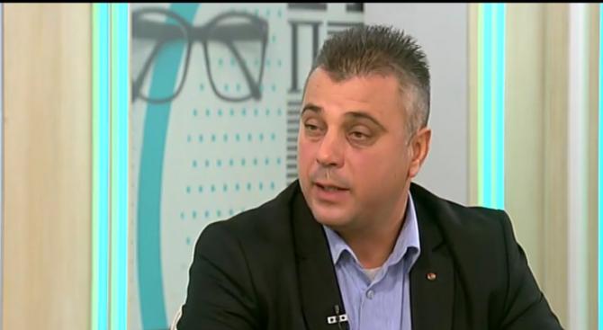 Юлиан Ангелов: Не се обсъждат оставки заради протестите