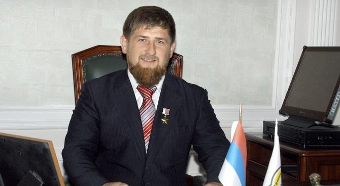 """С бял """"Мерцедес"""" бе дарен петгодишното момче от Чечения Рахим"""