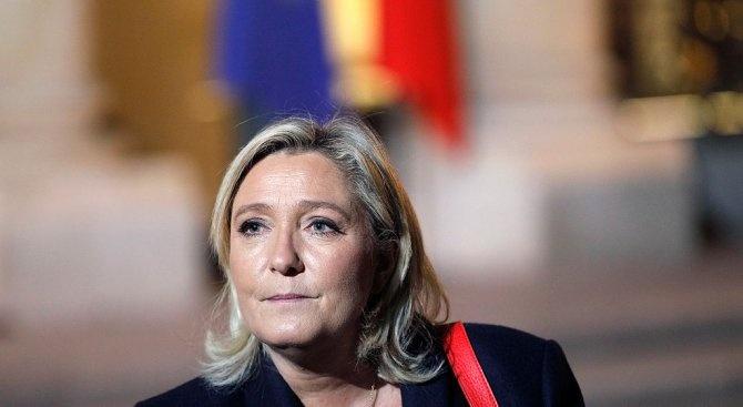"""Лидерът на френската партия """"Национален сбор"""" Марин Льо Пен пристигна"""