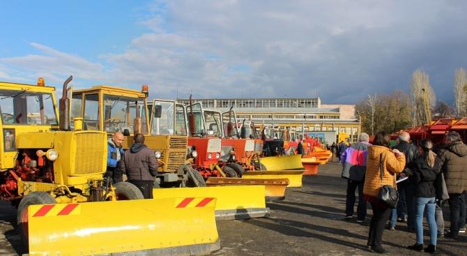 Всички 89 машини, които ще осигуряват зимното поддържане на Пловдив,