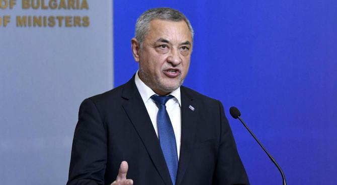 26 дни след поисканата оставка на вицепремира Валери Симеонов, тя