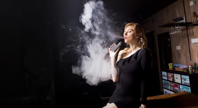 Дали електронните цигари са по-добрата алтернатива на конвенционалните? Факт е,