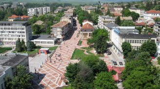 Община Попово осигурява работа на 30 безработни с трайни увреждания