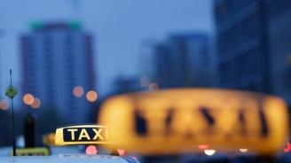 Таксиметрови шофьори протестират във Варна