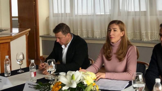 Министър Ангелкова на среща с контролните органи в Боровец за подготовка на зимния сезон