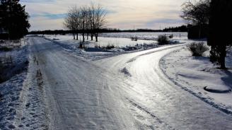В 8 области ниските температури създават условия за опасни поледици