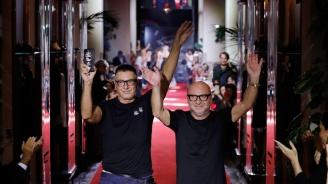 Обвиниха Dolce & Gabbana в расизъм в Китай (снимки)