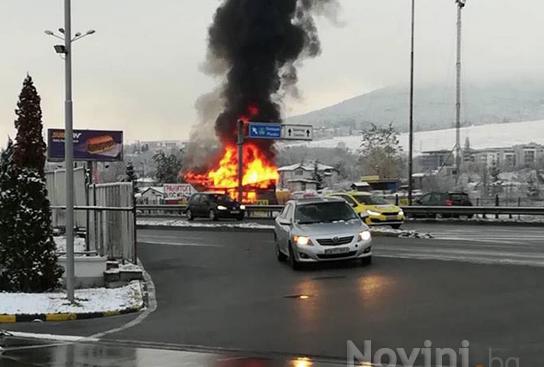 Бараки изгоряха в близост до Околовръстното шосе на София, информира