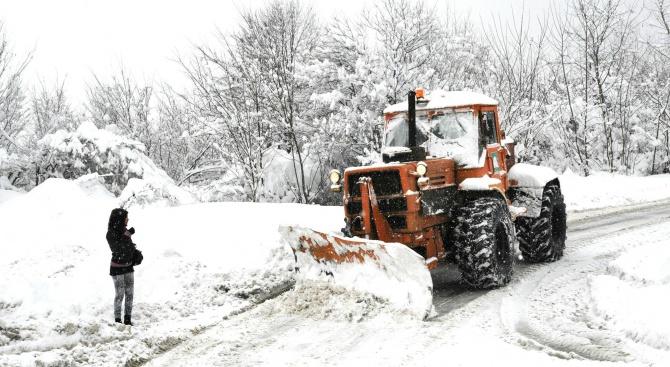 Около 20 см е снежната покривка във високите части на