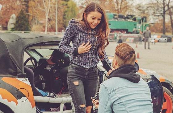 Актьорът Наум Шопов-младши предложи брак на гаджето си Теа и