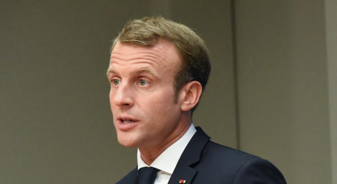 През втория ден от визитата си в Белгия френският президент