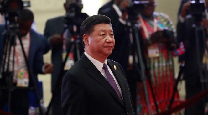 Китайският президент Си Цзинпин обеща днес на Филипините различни форми