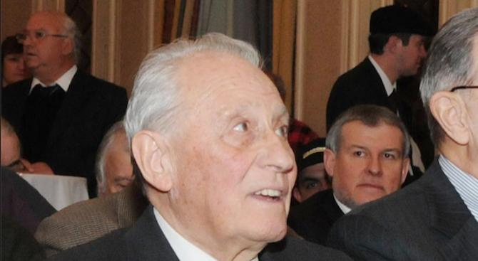 На 20 ноември внезапно почина в дома си видният български