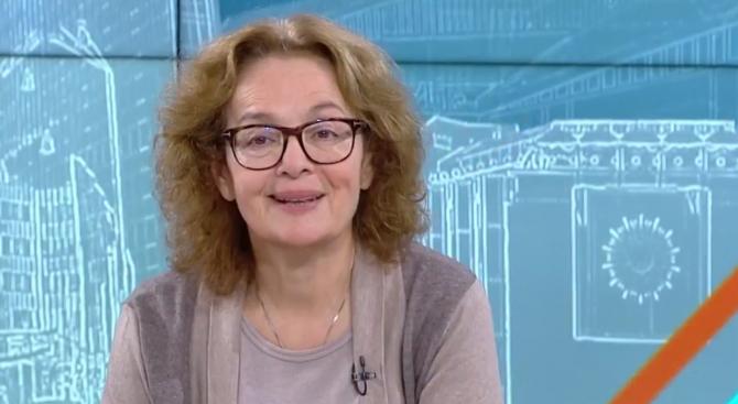 Политолог: Чрез Николова Валери Симеонов продължава да присъства в кабинета