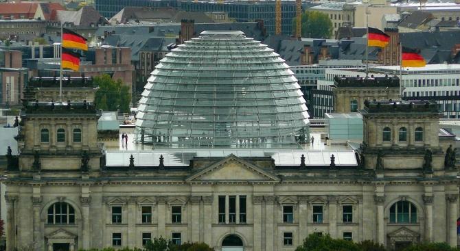 Германският Бундестаг ще гласува днес проектобюджета за 2019 г., който