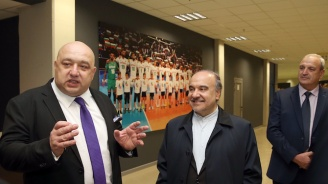 Министър Кралев представи на иранския си колега Масуд Солтанифер Арена Армеец (снимки)