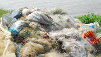 """Близо километър бракониерски мрежи с риба извадиха от язовир """"Ястребино"""""""