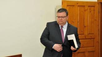 Прокуратурата с подробности по повод част от въпросите на Трифонов към Цацаров