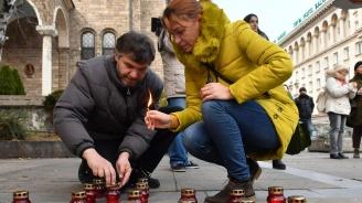 Почетоха жертвите на гладомора в Укрйна преди 85 години (снимки)