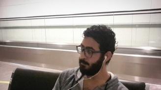 Сириец живя шест месеца на летище заради изтекла виза (видео)