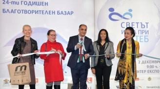 Дипломати от 60 държави се включиха в базара на Международния женски клуб в София (снимки+видео)