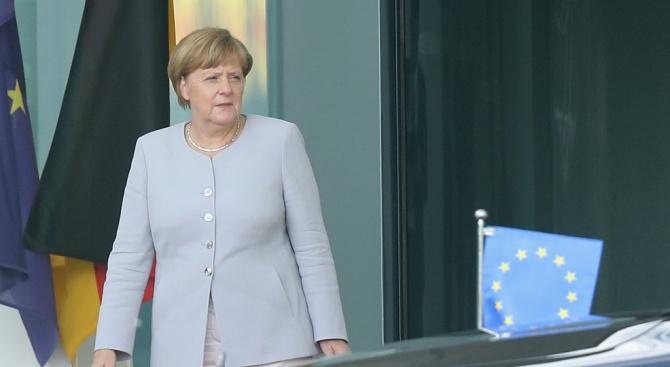 В  навечерието на конгреса си блокът на Ангела Меркел печели подкрепа