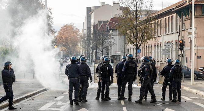 4-та жертва взеха протестите във Франция