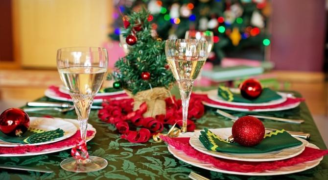 Астролози препоръчаха какво да сложим на новогодишната трапеза
