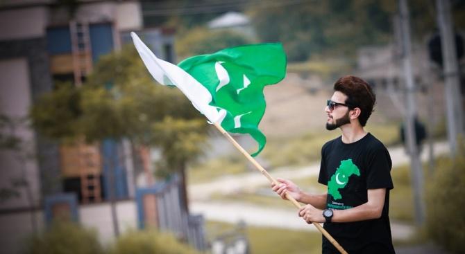 Пакистан изгони 18 международни благотворителни организации