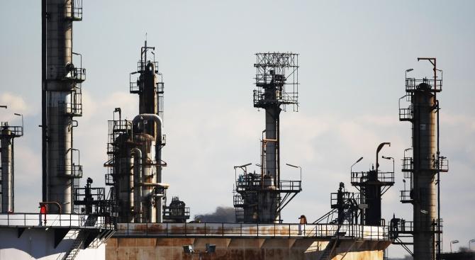Членките на ОПЕК са се разбрали за намаляване на добивания петрол?