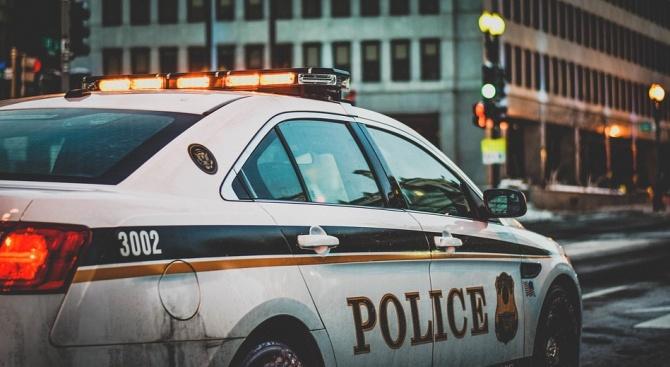Полицията арестува 146 души край училище във Франция
