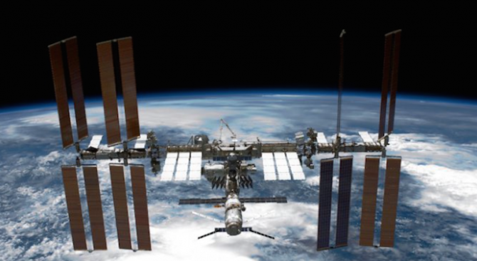Космонавти на МКС принтират живи тъкани с помощта на 3D-биопринтер