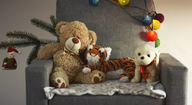 10 хил. български деца получиха подарък от връстници от Германия