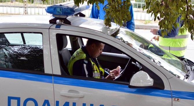 Пиян шофьор се блъсна в патрулка, задържаха го